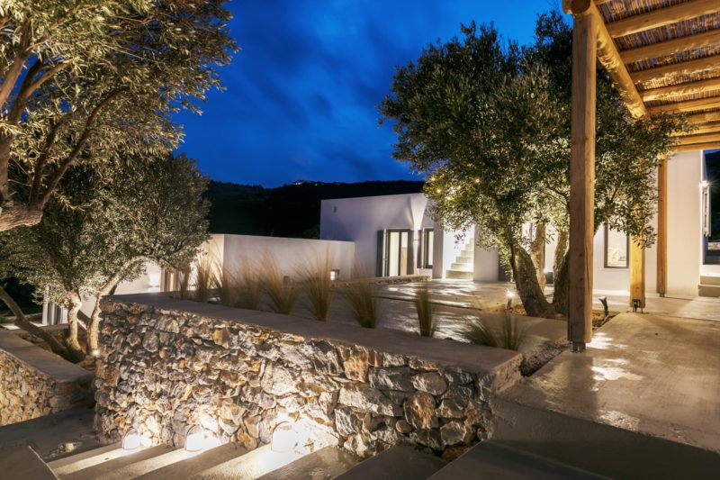 """Weaving with the Natural"" a house in Kostos, Paros, Cyclades - 7"