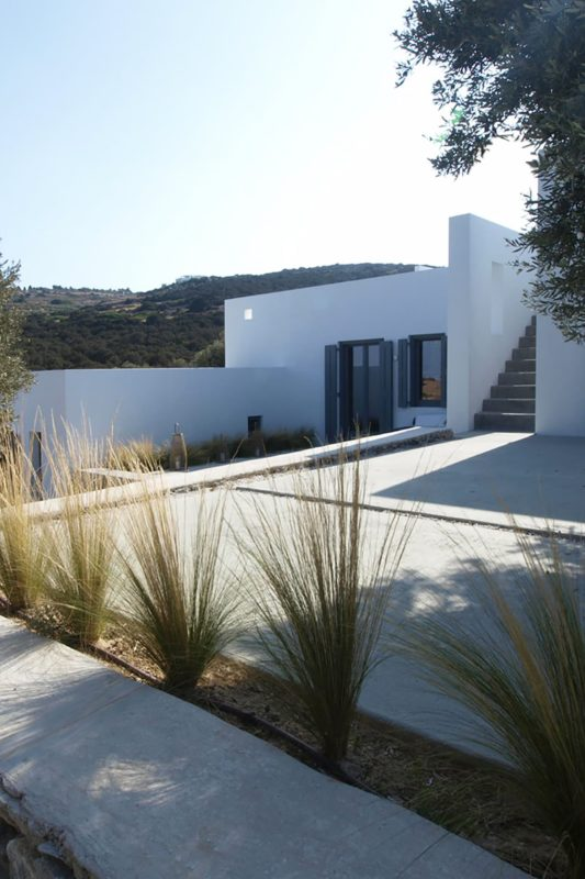 """Weaving with the Natural"" a house in Kostos, Paros, Cyclades - 11"