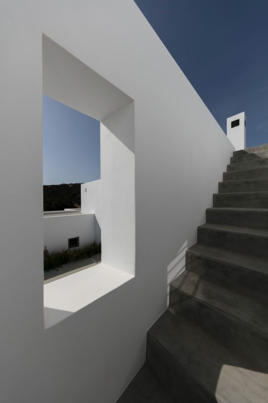 """Weaving with the Natural"" a house in Kostos, Paros, Cyclades - 12"