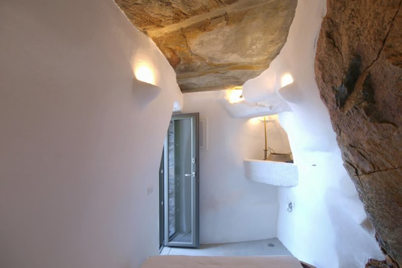 LITHOS_ A refurbishment of an old country house in the island of Tinos, Cyclades - 5