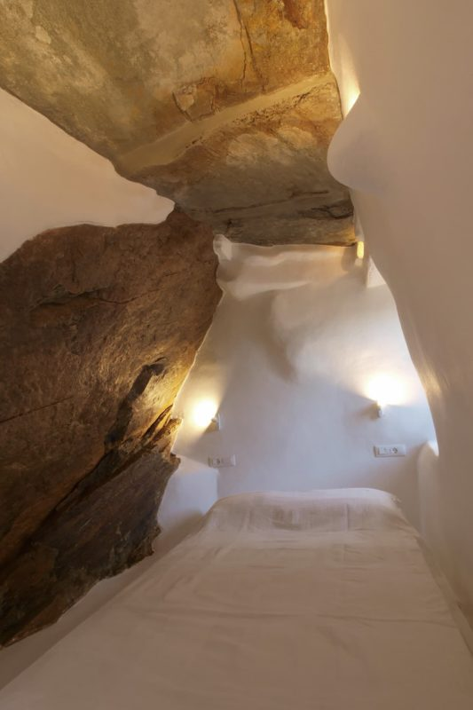LITHOS_ A refurbishment of an old country house in the island of Tinos, Cyclades - 7