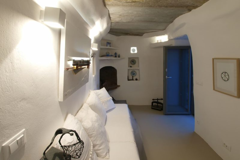 LITHOS_ A refurbishment of an old country house in the island of Tinos, Cyclades - 8