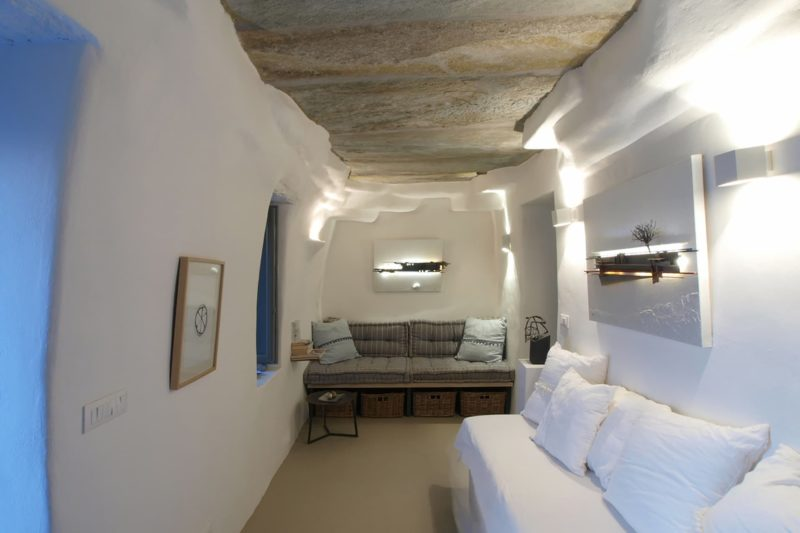 LITHOS_ A refurbishment of an old country house in the island of Tinos, Cyclades - 9